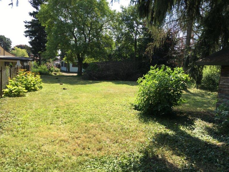 VERKAUFT  In der Ruhe liegt die Kraft - Sehr schönes ebenes Grundstück mit sanierungsbedürftigem Haus